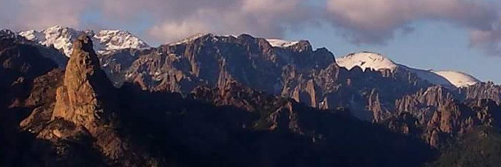 Prise de vue sur la piste du Cavo à Zonza